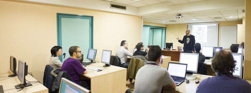 mantenimiento informatico para aulas tic