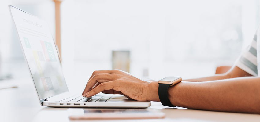 como conectarse al ordenador de la oficina desde casa